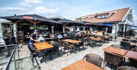 FIKK SMILEFJES: Sand Bar og Restaurant er blant stedene som har hatt besøk av Mattilsynets smilefjespatrulje den siste tiden.