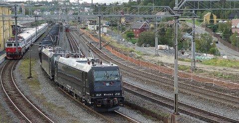 SKAPER DEBATT: Meningene er delte om det er rett å bygge bane fra Fauske til Tromsø via Narvik.