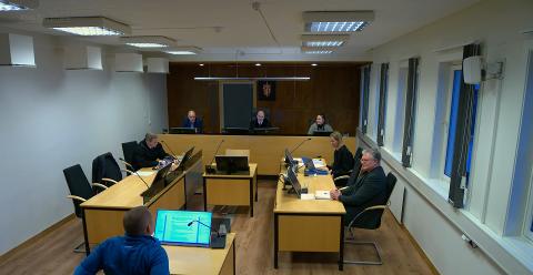 I RETTEN: Hammerfest kommune prøvde å løse måkeproblematikken i sentrum. Nå risikerer kommunen en bot på over 100.000 kroner.