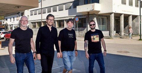 TAKKER FOR TILBAKEMELDINGENE: Eivind Berre (fra venstre), Thomas Brøndbo, Eskil Brøndbo og Daniel Viken hadde håpet på 500 besvarelser på markedsundersøkelsen – men endte opp med over dobbelt så mange.