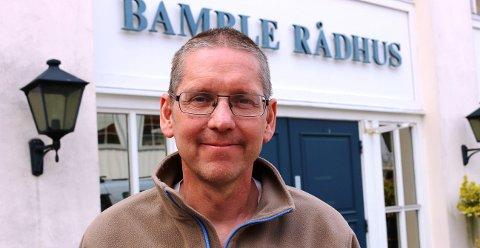 GIR GULT KORT: Cato Idar Andersen er avdelingsleder ved Bamble kommunes service- og dokumentsenter.