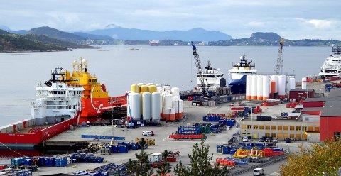 TRAVEL HAVN: Vestbase vil passere 1.600 skipsanløp før året er omme. Mer enn 200.000 tonn dekkslast går over kai på basen hvert år.