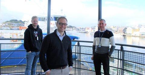 Fra venstre: Bjørnar Eresvik (KNH), Vidar Fagerheim (Grieg Connect) og Svein Skomsøy (KNH)  ser fram til bedre forutsigbarhet om skipenes ankomsttid til kai.