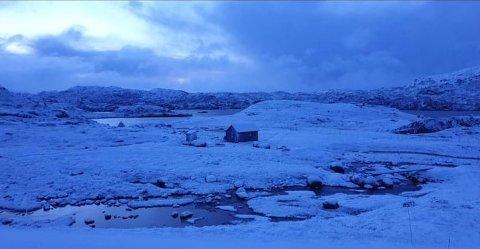 ØVRE SIRDAL: Detter er Kvinen i Øvre Sirdal tirsdag morgen. Foto: Ole Berghom