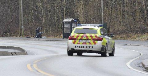 Politiet undersøkte en sekk ved et busstopp i Storetveitvegen.