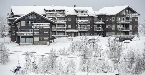 UTSOLGT: På Kikut Panorama kommer 17 av 25 eiere fra Bergen. 70 prosent av disse kommer fra bydelene Fana og Ytrebygda. Leilighetsanlegget ligger like ved skianlegget, med utsikt mot Hallingskarvet. I underetasjen er det parkeringsanlegg med heiser opp til leilighetene. Sameiet har egen vaktmester som har tilsyn med bygget hele året, samt sørger for snømåking.FOTO: Mads Trellevik