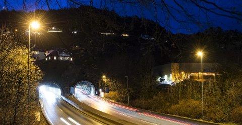 Arbeidet med å oppgradere Eidsvågtunnelen og Glaskartunnelen skal pågå i to år.
