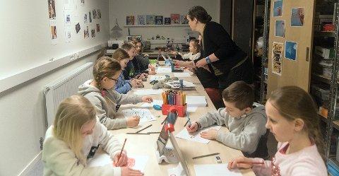 Det var stor aktivitet på Biblioteket i Kjøllefjord i vinterferien.
