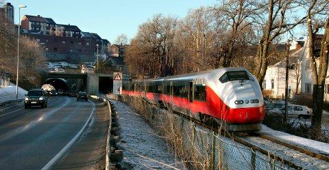 Fredrikstad-folk skal først få nytte avFollotunnelen, så av tunnel og ny jernbanestasjon i Moss før turen kommer til utbygging i Fredrikstad.