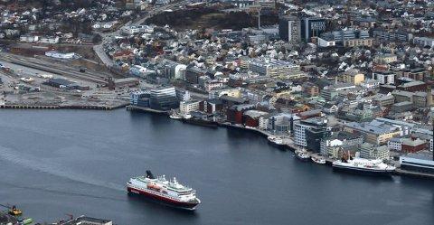 VIL NORDOVER: Hei, Nord-Norge! Ha det bra, Bodø (bildet). Hilsen Midtre Hålogaland og resten av den arktiske landsdelen, skriver Gard Borch Michaelsen. Arkivfoto.