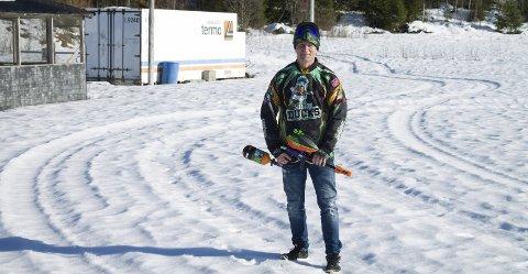 VELKOMMEN TIL SØR-ODAL: Vebjørn Karterud håper det nå går mot en ny vår for paintballklubben med mer aktivitet og flere unge når de nå klargjør for å arrangere nasjonalt seriespill.