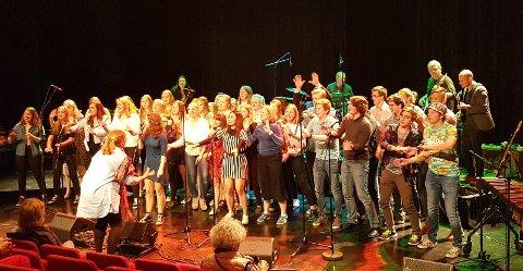 MUSIKK-GLEDE: Hadeland videregående skoles musikklinje gjennomførte årets vårkonsert med imponerende flott samspill og stor uttrykksglede.