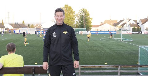 KLAR: Jan Erik Greve-Løberg og Vang Fotball er klare til å ta i mot lokalbefolkningen lørdag.