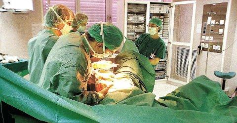 NEKTER: Kirurger i Helse Nord vil ikke utføre rituell omskjæring. Dette illustrasjonsbildet viser ikke omskjæring.foto: Roger Marthinsen