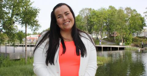 KRITISK: Katrine Boel Gregussen taler ungdomenssak når det gjelder preken som ble talt til dem under konfirmarsjonsmgudstjenesten