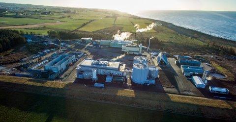 GRØDALAND: Dette bildet er tatt under byggingen av IVARs biogassanlegg med matavfall som råstoff på Grødaland. Nå får IVAR, Lyse og Felleskjøpet konkurranse om det store, planlagte husdyrgjødsel-anlegget.