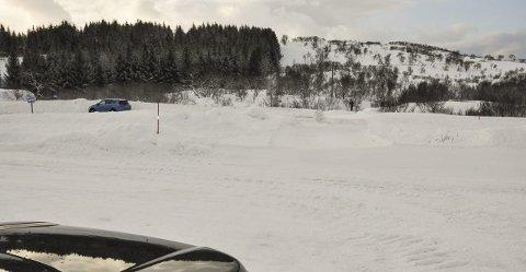 Hagskaret: Hagskaret er et populært utfartspunkt, og nå går det skispor på begge sidene av veien. Foto: Lise Fagerbakk
