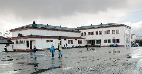 Bøstad skole.