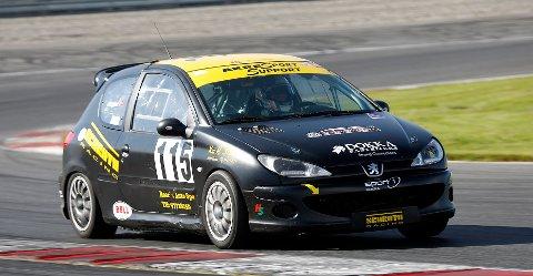 Remi Brenden Ødegård fra Dokka vant alle tre finalene i GT5-klassen under Rudskogen Motorfestival. Foto: Racefoto