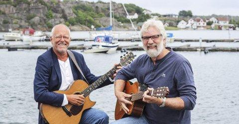TIDLIG UTE: Lars Martin Myhre og Louis Jacobytar turen til øyene også neste sommer.