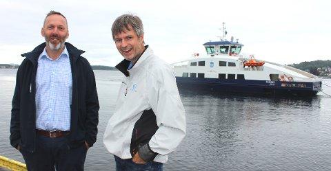 STOLTE: Fergesjef Borgar Slørdal sammen med prosjektleder Hans Skaar som har vært leid inn som prosjektleder av Brevik Fergeselskap IKS, for å følge byggeprosessen. – Standarden på skipet er meget bra.