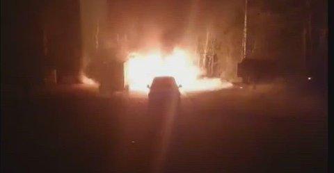 Brann: Det brant kraftig da skuret tok skikkelig fyr.