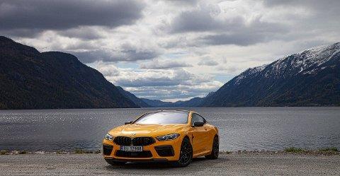 Kjøpere av BMWs verstingbil M8 Competition er av bilene som må belage seg på å betale mer i avgifter neste år. Foto: Magnus Blaker