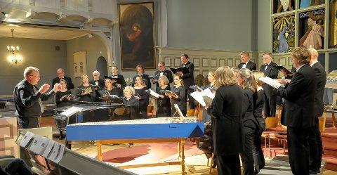 B-konsert: Sandefjord kammerkor med dirigent Svein Rustad holder seg til en spesiell type komponister søndag. Konserten starter klokka 20.00. Foto: Knut Nordhagen