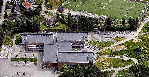 ELEV SMITTET: En elev ved Grålum ungdomsskole er smittet av korona.