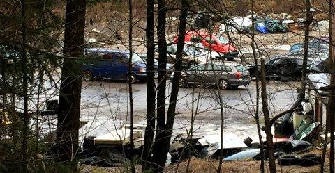 FORTSATT AKTIVITET: Da TA var på stedet var det fortsatt liv ved verkstedet i Skien.