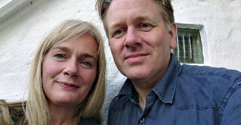 Bowie-gjendikting: Marit Eikemo og Helge Olsen vant konkurransen. Foto: privat
