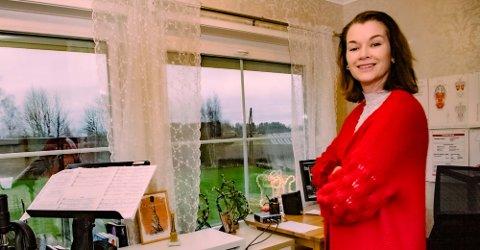 MUSIKKELSKER: Harriet Kjus Müller-Tyl hjemme i musikkstudioet i Børsumveien.