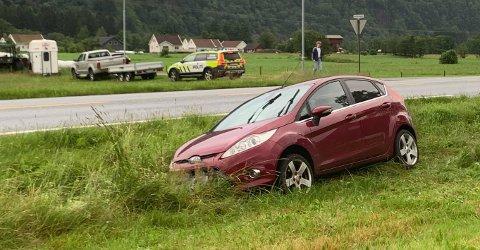 En av bilene ble stående grøfta på Øyesletta.