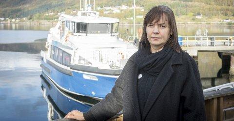 Protesterer: Daglig leder Meløy Næringsforum (NMF), Liv Toril Pettersen, mener Nordland fylkes samferdselsavdeling er i ferd med å snikinnføre ei ny ordning for godsleveranser som kan få store konsekvenser for kysten og øyene, uten at noen er blitt spurt om konsekvensene på forhånd.