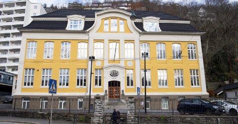 Bergen kommune krevde å få det ærverdige bygget i Kalfarveien 2 tilbakeført gratis, ettersom BHG flyttet til Amalie Skram videregående i 2012. Retten var ikke enig.