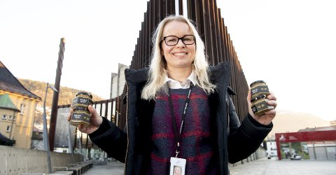 Lisbeth M. Hofstad, salgs- og markedssjef i Grieghallen, forteller at Griegbees-honningen er svært populær.