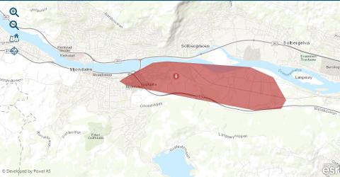 Glitre Energi har merket det berørte området ved 22-tiden ved rødt. Klokka 22.30 har mange fått strømmen tilbake, men 128 kunder er fortsatt berørt.