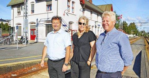 Fra Sarpsborgs jernbanedebatt: Nils Petter Gyllensten, Stine T. Nygaard og Lars Erik Lunde i Sarpsborg Næringsforening sa i august i år at den fremtidige jernbanestasjonen må ligge i Sarpsborg sentrum.