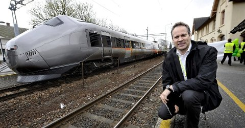 Reagerer kraftig: Ordfører Jon-Ivar Nygård er svært skuffet over Jernbanedirektoratets forslag for utbygging fra Råde til Sarpsborg. Han frykter at det blir mange års forsinkelse. (Arkivfoto: Trond Thorvaldsen)