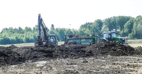 NÆRIDSRØD: Her kjøres biomassen ut på Næridsrød.