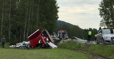 Trekkvogna fikk store skader i utforkjøringen.