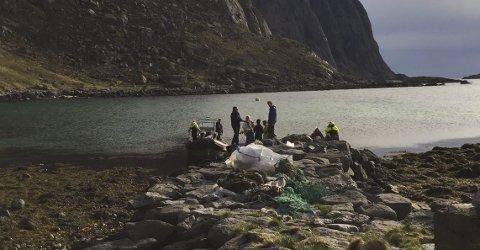 MILLIONSTØTTE: Norges Råfisklag gir en million kroner i støtte til lag og foreninger som vil rydde i fjæra.