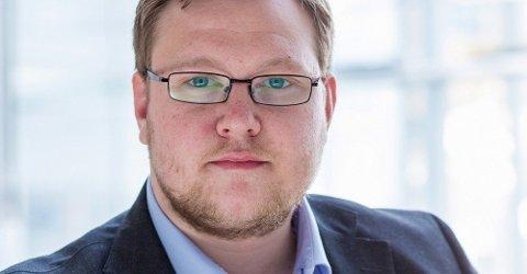 SPRÅKHJELP: Erlend Svardal Bøe utfordrer byrådet til å forenkle språket i kommunale brev.
