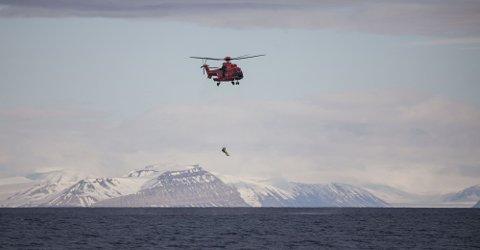 - Vi hadde helt klart en bedre beredskap da vi hadde Lynx-helikoptrene enn det vi har hatt de siste årene, sier kommandør Steve Olsen. Foto: Forsvaret.
