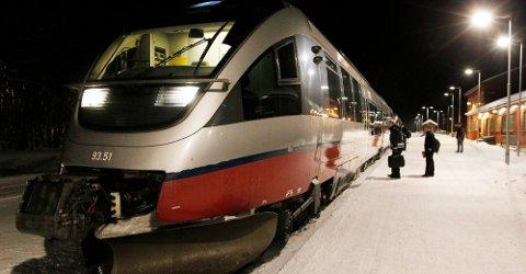 ØNSKES: Her har toget stoppet i Bodø. Kommer det en dag til Tromsø? Det vil i hvert fall folket.