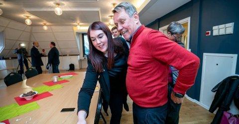TAR I MOT SPØRSMÅL: Ordfører Gunnar Wilhelmsen og varaordfører Marlene Berntsen Bråthen tar i mot spørsmål fra bedriftsledere og innbyggere fredag.