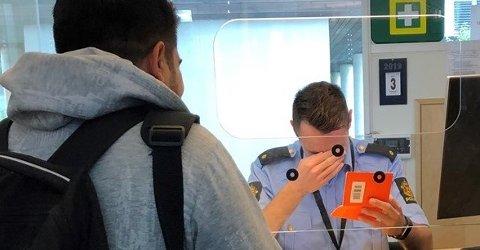 NØDPASS: Politimannen kan ikke trylle, vilkår for midlertidig pass må du derfor oppfylle...