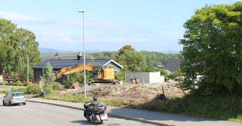 Bamble kommune har gitt igangsettingstillatelse til Telemarkhus for oppføring av et nytt leilighetsbygg på eiendommen Baneveien 15 i Langesund.