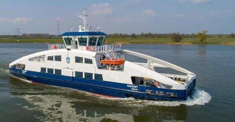 GÅR RETT I OPPLAG: Den nye helelektriske ferga «Sandøy» er ferdig bygget ved skipsverftet i Nederland og slepes til Brevik Fergeselskap i begynnelsen av juni. Der skal fartøyet rett i opplag fram til juni 2022.