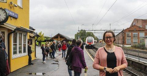 Gledelig undergang: Ordfører Marianne Grimstad Hansen i Sørum er glad for at det endelig ser ut til å bli undergang on nytt spor 2 på Sørumsand stasjon. Alle foto: Rune Fjellvang